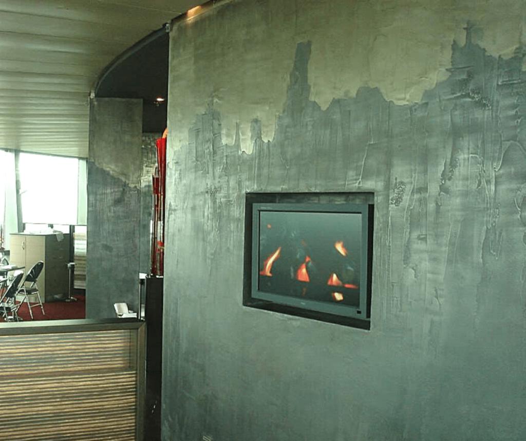 Use of Decorative Liquid Metal Coatings in Venetian Plastering